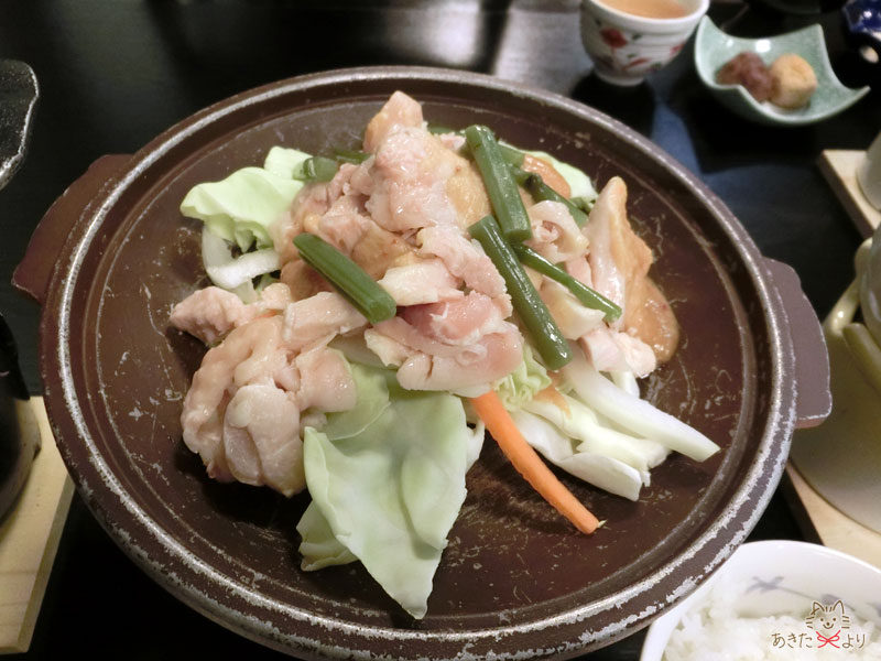 比内地鶏と野菜の味噌陶板焼き
