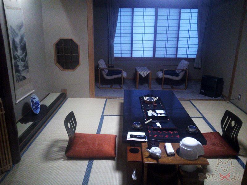広縁付きの和室12畳の部屋の様子
